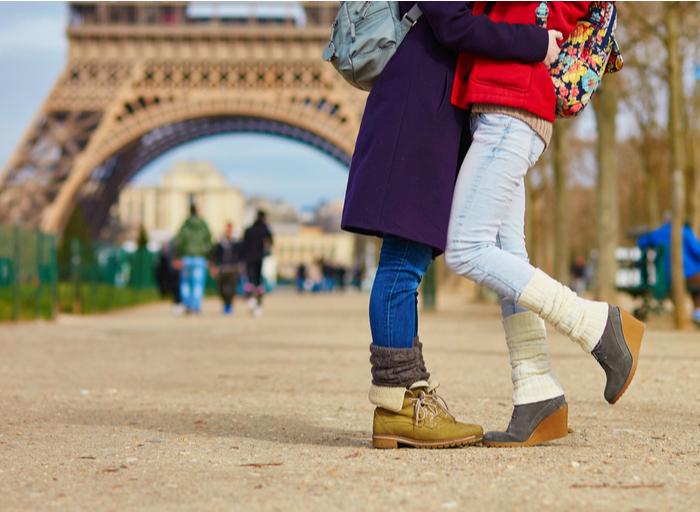 Luz verde en Francia a la reproducción asistida para mujeres sin pareja y lesbianas