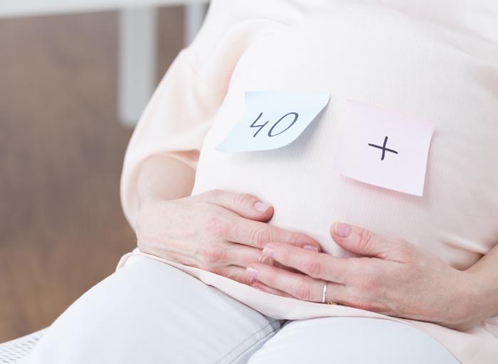 """Maternidad muy tardía, derecho o """"temeridad sanitaria"""""""